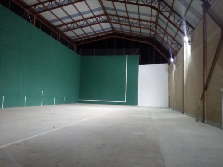 frontón cubierto en Horcajo de Santiago